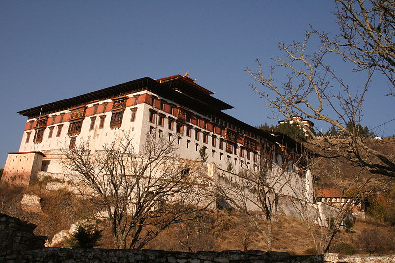 800px-bhutan_dzong_at_paro