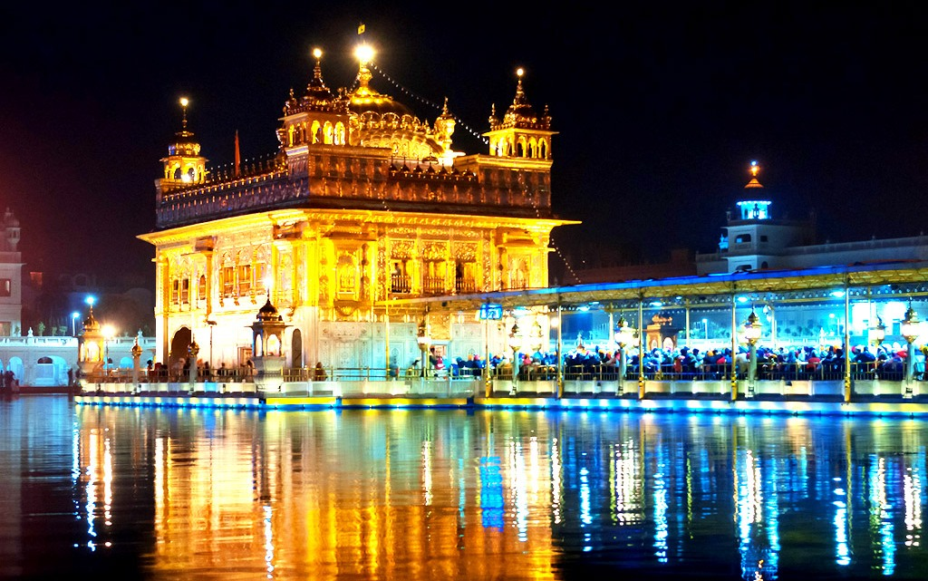 The star attraction of Amritsar: The Golden temple which attracts majority of tourist to Amritsar