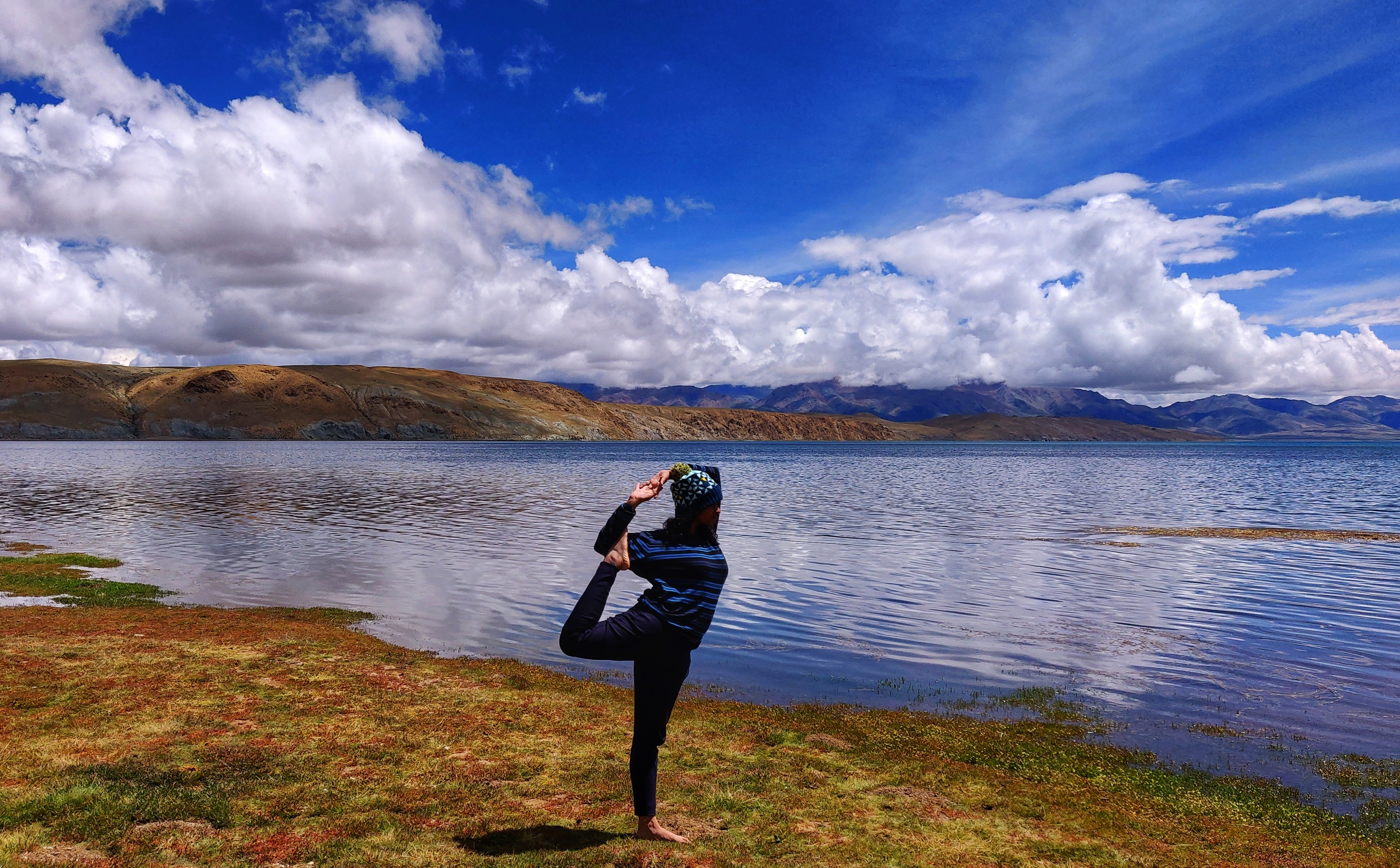 Mansarovar Lake is considered to be a holy lake and its water is said to clean all sins