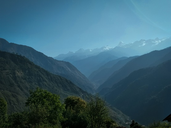 The enchanting himalayas from Raithal village