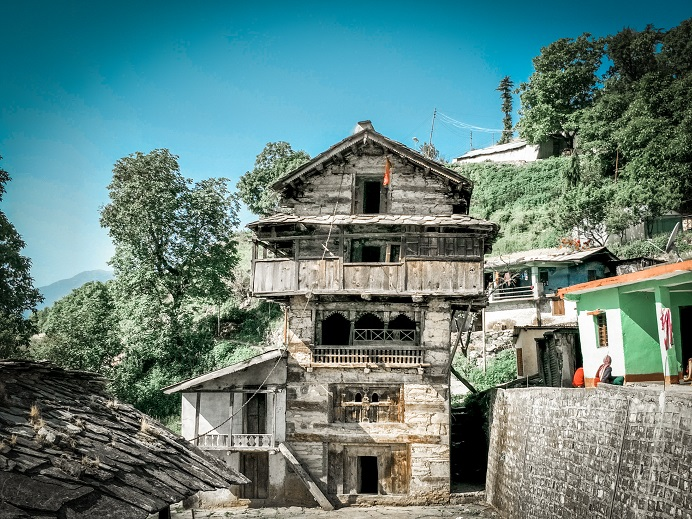 The 500 years old garhwali house in Raithal Village of Uttarakhand