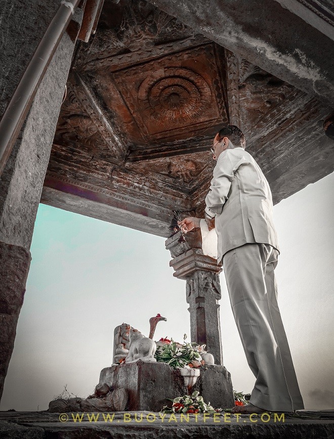 There are two other temples in the premises of Bhojeshwar temple which are incomplete too. They too are dedicated to Lord Shiva