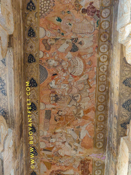 glance at the roof of Veerbhadra temple will reveal beautiful murals which stood with time, as it is. Though, slightly faded now but these are the naturally coloured murals which communicates the stories from the ancient text and showcases the unique talents of our country.